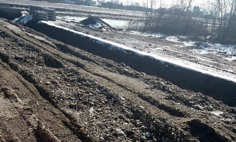 Prometni problemi kod odvodnog kanala u Pretetincu