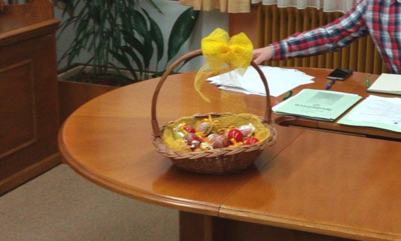 Djeca iz vrtića Zvončić darovala pisanice vijećnicima