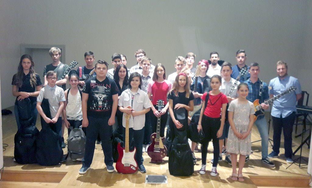 Suita – škola sviranja i pjevanja pripremila završnu glazbenu produkciju