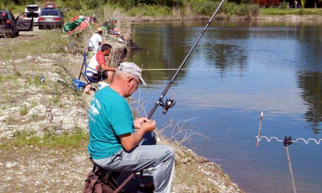 SRD Amur: Sportsko društveno natjecanje u lovu ribe udicom na plovak