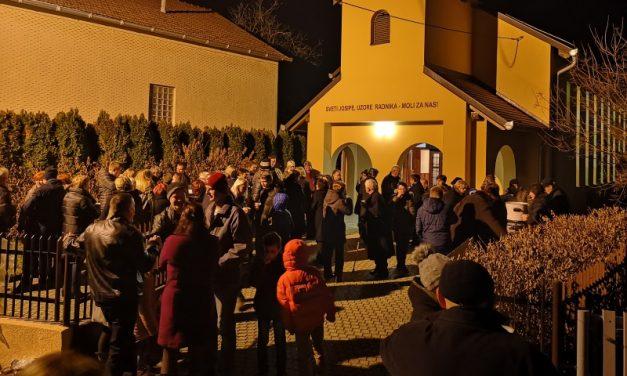 Tradicionalno druženje nakon polnoćke u Dunjkovcu
