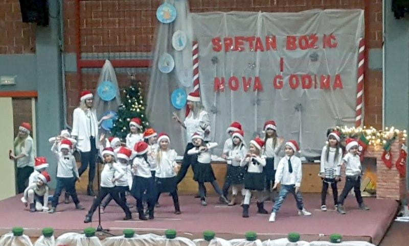 Božićna predstava mališana iz DV Zvjezdica