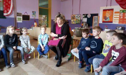 Kifleki učili o školi
