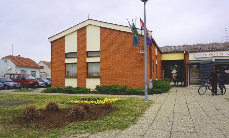 Općinska uprava privremeno seli na nove lokacije