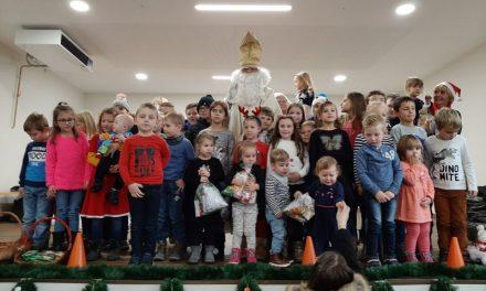 Sveti Nikola darivao djecu Pretetinca