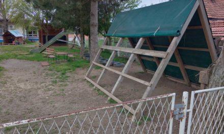HRVATSKI DEMOKRŠĆANI: Derutno igralište vrtića Zvončić primjer je nebrige Općine za djecu