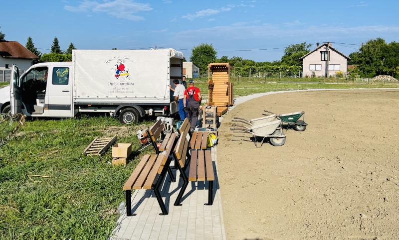 Počelo postavljanje suvremenog dječjeg igrališta u Pušćinama