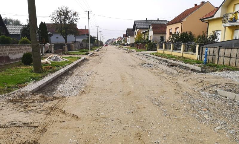 Ulica Karlović Vinka morala biti gotova u svibnju, a stvarni završetak i dalje nepoznat